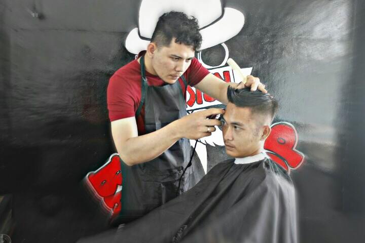 Upgrade Tampilanmu di Stasiun Barbershop 27bd847da4