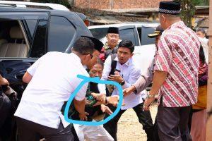 Video Detik-detik Ketika Menko Polhukam Wiranto Diserang di Pandeglang