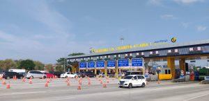 338.020 Kendaraan Diprediksi Lintasi Gerbang Tol Cikampek Utama pada 25-26 Desember