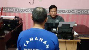 """Pelaku Pencabulan di Puwakarta: """"Jadi Anak Angkat Aa dan Kerjanya Cuma Tidur"""""""