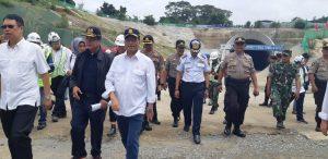Kunjungi Purwakarta, Menhub Budi Cek Tunel 4 KCIC Desa Malangnengah