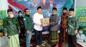 PKB Jabar Salurkan 100.000 Paket Sembako untuk Guru Ngaji