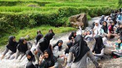 Kampung Tajur Purwakarta: Destinasi Wisata Budaya Bernilai Edukasi